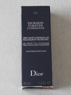 ディオール ディオールスキン フォーエヴァー アンダーカバーのパッケージの箱