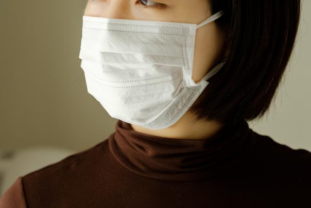 (【花粉症・新型肺炎】マスクをしても崩れにくいファンデーション)